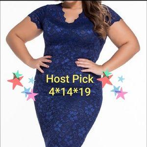 Dresses & Skirts - 🆕Flattering Navy Short Sleeve Stretchy Lace Dress